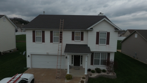 Vinyl Siding Services Saint Louis MO - Edwards Roofing - IMG_1665