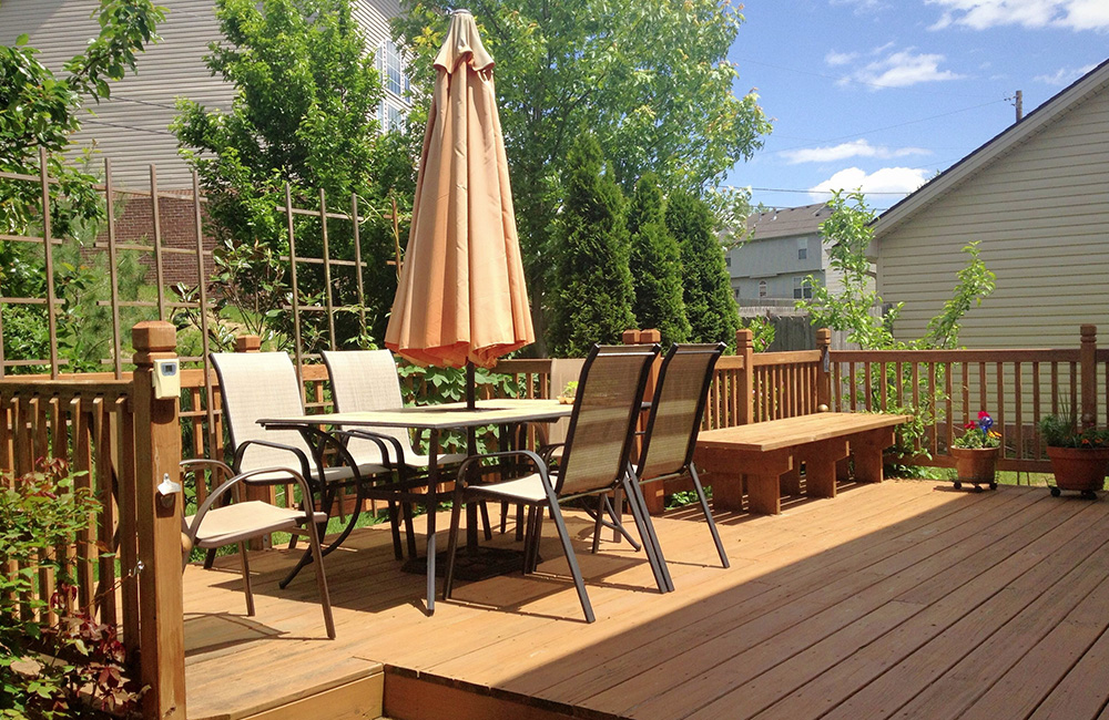Deck Builder St. Louis MO: Home Fencing | Edward's Roofing & Exteriors - decks